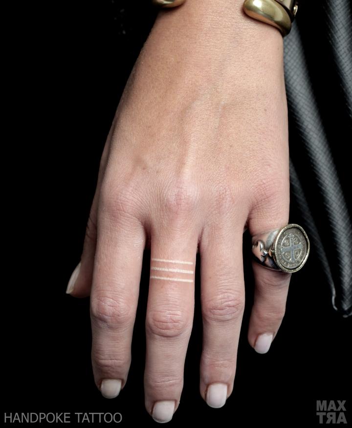 bianco dita