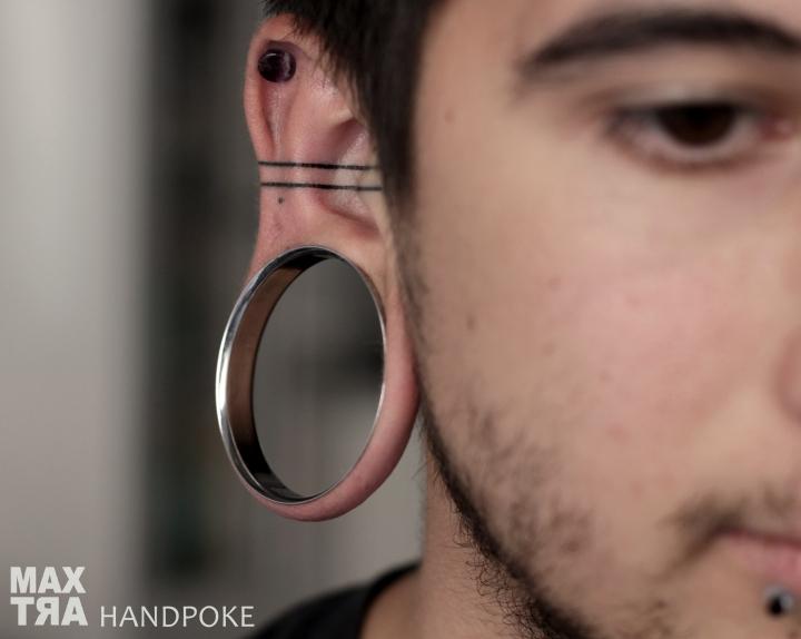 massi linee orecchio