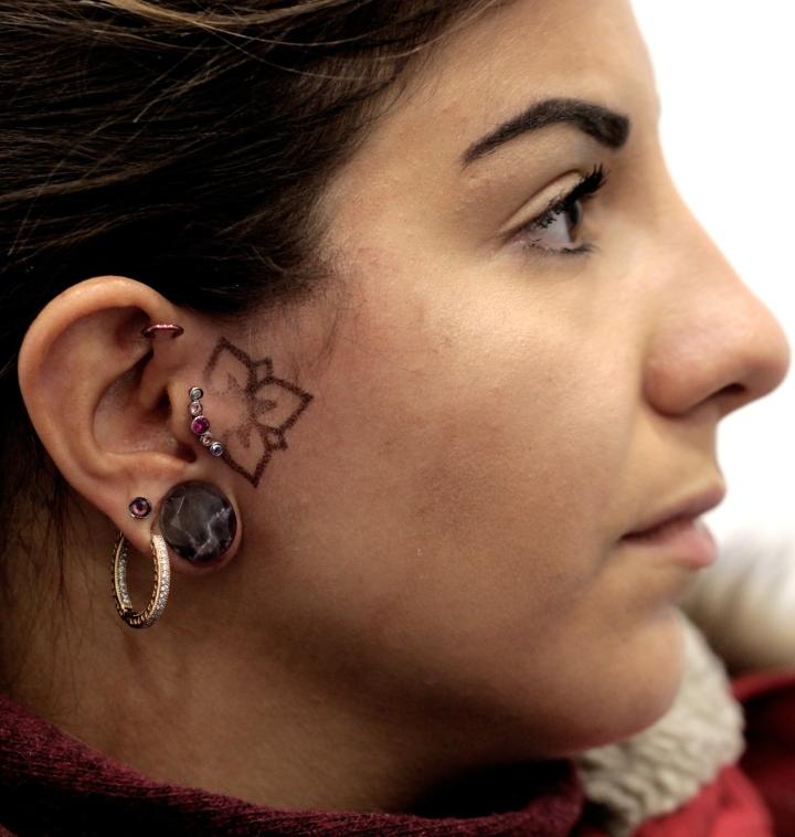 decoraz orecchio1